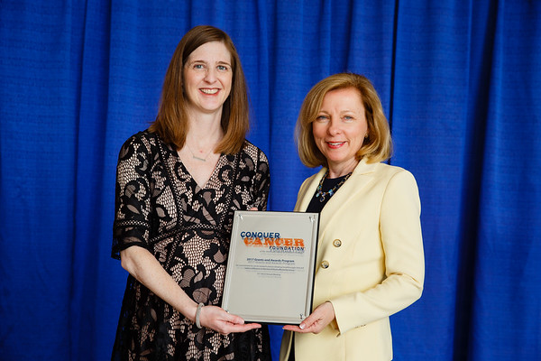 2017 Young Investigator Award Recipient Jennifer Veneris, MD with Robin Zon, MD, FASCO during 2017 Grants & Awards Ceremony and Reception
