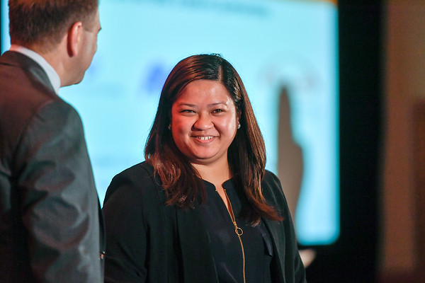 2017 IDEA Recipient Maria Diana Aileen Bautista, MD with Thomas G. Roberts, Jr., MD, Chair of the Conquer Cancer Foundation Board of Directors, during 2017 Grants & Awards Ceremony and Reception