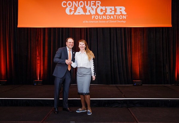 2017 IDEA Recipient Evgeniya Kharchenko, MD with Thomas G. Roberts, Jr., MD, Chair of the Conquer Cancer Foundation Board of Directors, during 2017 Grants & Awards Ceremony and Reception