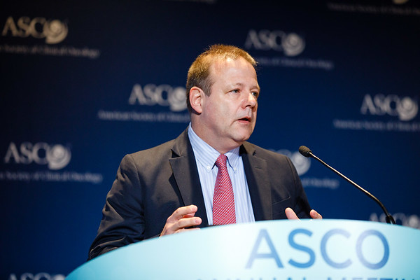 Axel Grothey, MD, presenting Abstract LBA1, Prospective pooled analysis of six phase III trials investigating duration of adjuvant (adjuv) oxaliplatin-based therapy (3 vs 6 months) for patients (pts) with stage III colon cancer (CC): The IDEA (International Duration Evaluation of Adjuvant chemotherapy) collaboration, during Plenary Press Briefing