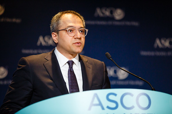 Pedram Razavi, MD, PhD, Memorial Sloan-Kettering Cancer Center, presenting Abstract LBA11516, Performance of a high-intensity 508-gene circulating-tumor DNA (ctDNA) assay in patients with metastatic breast, lung, and prostate cancer, during Saturday Press Briefing