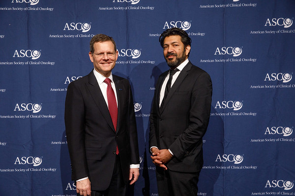 Clifford Hudis, MD, FACP, FASCO, ASCO CEO, with Guest Speaker Siddhartha Mukherjee, MD, DPhil during Opening Session