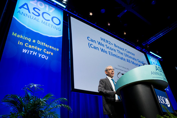 Eric Winer, MD, FASCO, delivering the Gianni Bonadonna Lecture during Gianni Bonadonna Breast Cancer Award and Lecture