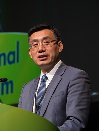 Dr. Jiping Wang presents Abstract 524 during Oral Abstract Session C: Cancers of the Colon, Rectum and Anus