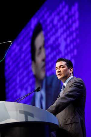 Scott Gottlieb, MD, delivering the FDA Commissioner's remarks during Opening Session