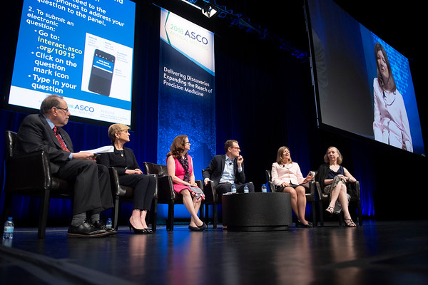 Panel Chair, Richard Schilsky, MD, FACP, FASCO, FSCT, ASCO, and speakers Marilynn Marchione, Associated Press; Liz Szabo, Kaiser Health News; Matthew Herper, Forbes; Sharon Begley, STAT; Anne Thompson, NBC News during Covering Cancer: Perspectives From the Media