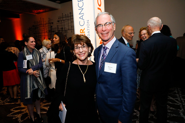 Gail Shak and Dr. Steven Shak during 2018 Conquer Cancer Foundation Dinner