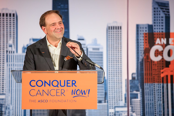 Thomas G. Roberts, Jr., MD, FASCO, Conquer Cancer Board Chair, speaks during 2018 Conquer Cancer Foundation Dinner