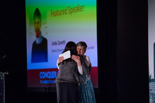 Featured speakers Jacqueline Garcia, MD, and Linda Zanetti during 2018 Conquer Cancer Foundation Dinner