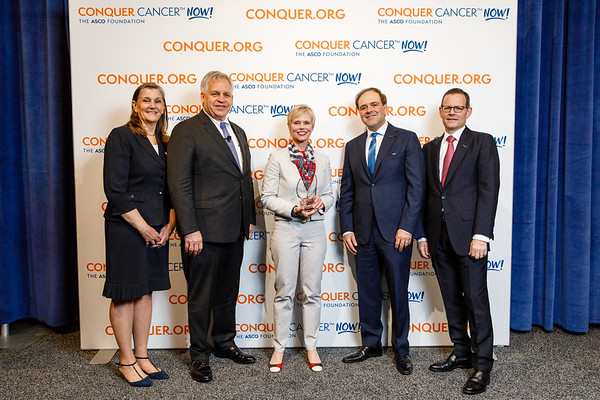 Conquer Cancer Top Donor, Genentech BioOncology™, with ASCO leadership during 2018 Conquer Cancer Top Donor Awards