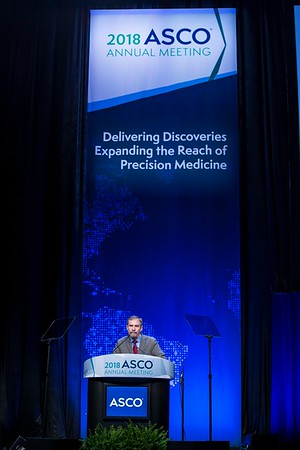 Douglas Lowy, MD, presenting the Science of Oncology Award Lecture during Plenary Session