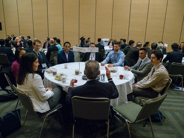 Faculty and early-career attendees network during Trainee and Early-Career Networking Luncheon