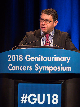 Ithaar Derweesh, MD, speaks during General Session 8: Comprehensive Characterization and Management of the Incidental Renal Mass