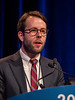 Jeffrey Graham, MD, presents Abstract 581 during Oral Abstract Session C: Renal Cell Cancer
