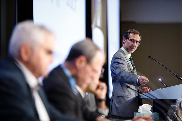 Antoni Ribas, MD, PhD, presenting the Welcome of the Day during Welcome and General Session 4