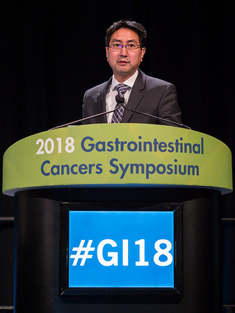 Stephen Leong, MD, discussing Abstracts 4 and 5 during Oral Abstract Session A