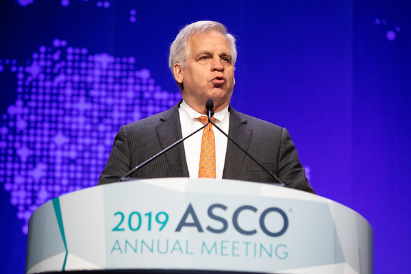 Opening Session Bruce E. Johnson, MD, FASCO, ASCO Past President, announcing the Fellows of the American Society of Clinical Oncology (FASCO)