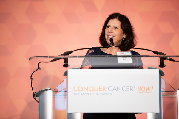 Conquer Cancer Dinner: An Evening to Conquer Cancer Susan L. Cohn, MD, FASCO, Conquer Cancer Board member, speaks