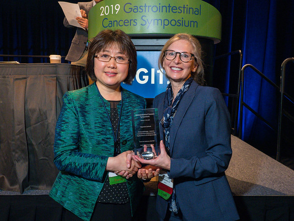 Dr. Siwen Hu-Lieskovan receives Keynote Award