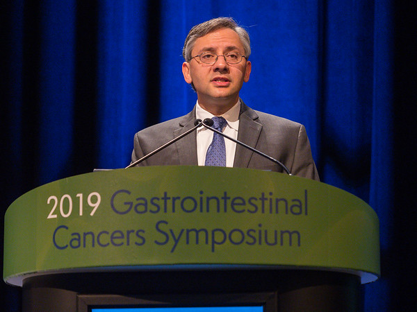 Dr. Michael J. Pishvaian presents Abstract 191, during Rapid Abstract Session B