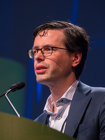Dr. Pieter J Tanis (for Charlotte Klaver MD, BA) Amsterdam UMC, University of Amsterdam, presents Abstract 482 during Oral Abstract Session C