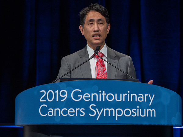 Dr. Scott T. Tagawa presents Abstract 354 during Oral Abstract Session B