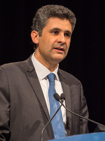 Dr. Karim Fizazi presents Abstracts 140 during Oral Abstract Session A