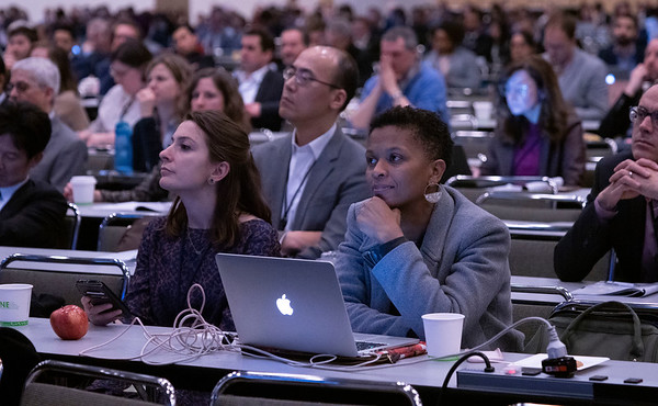 Attendees listen to presentations during during Oral Abstract Session B: Urothelial Carcinoma; Penile, Urethral, Testicular, and Adrenal Cancers