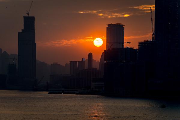 Sun going down in Hong Kong