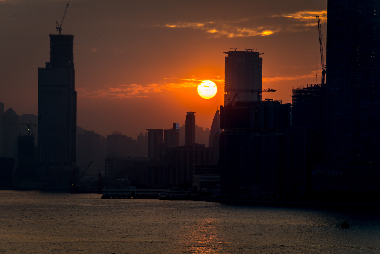Sun going down in Hong Kong