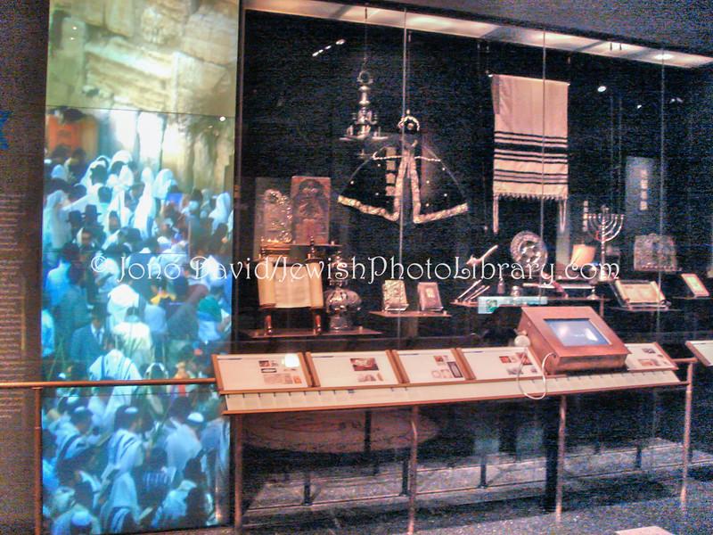 TW 3  Exhibition display