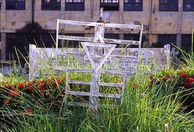 THAILAND, Bangkok. Jewish sector, Bangkok Protestant Cemetery. (2005)