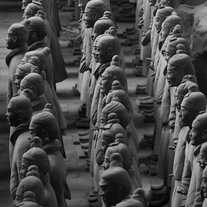 Terracotta warriors statue at the Terracotta Warriors Army Museum, Xi'an, China.