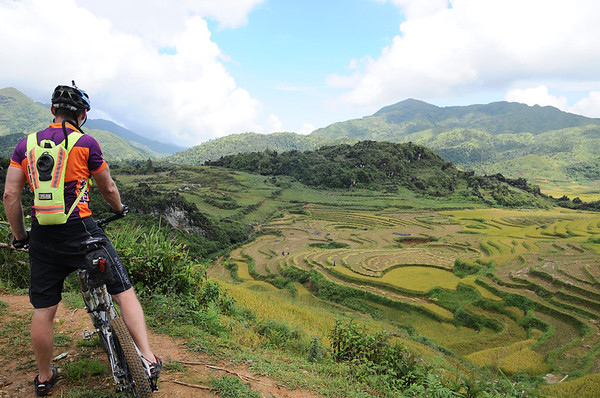 Inflight Photostory Adventure Cycling/Climbing Vietnam