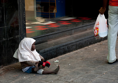 Saudi Arabia, Mecca Region, Jeddah, Somali Refugee Girl Begging In The Street