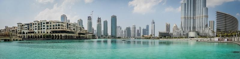 The famous fountains at the base of Burj Khalifa and Dubai Mall.