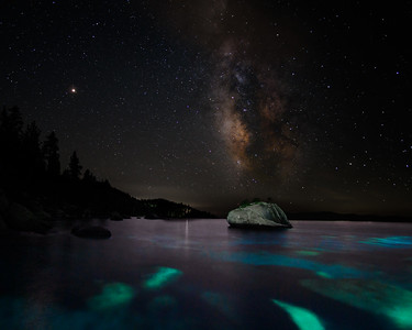 BONSAI ROCK MILKY WAY LAKE TAHOE - ASTROPHOTOGRAPHY