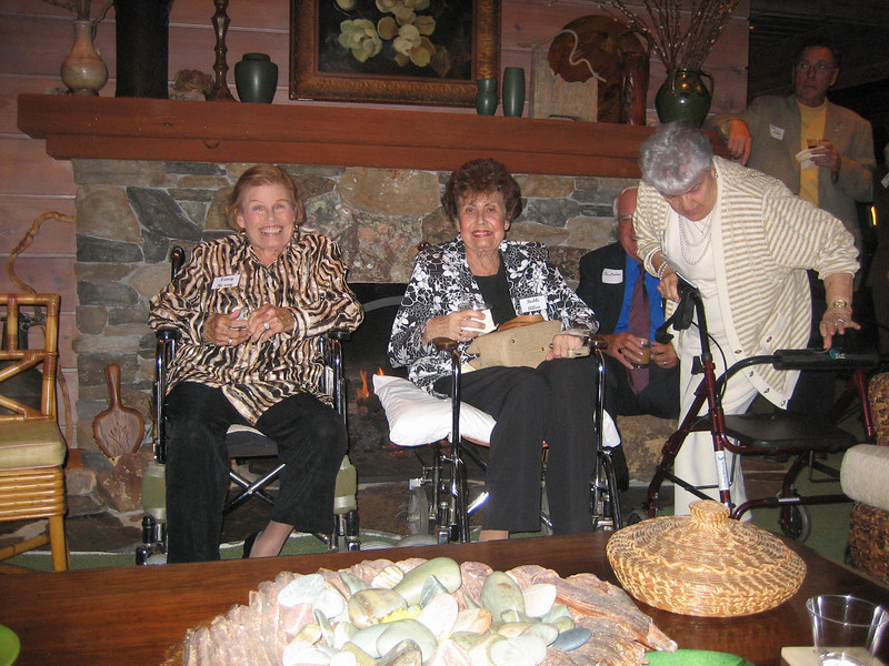 For the past 20 years Avant Garde has been serving military families by volunteering and taking on projects and events for the San Diego Armed Services YMCA. Thank you ladies for making a real difference for our service members: here and abroad! ( considering your metric ton care package shipment in August of '05) For the past 20 years Avant Garde has been serving military families by volunteering and taking on projects and events for the San Diego Armed Services YMCA. Thank you ladies for making a real difference for our service members: here and abroad! ( considering your metric ton care package shipment in August of '05)
