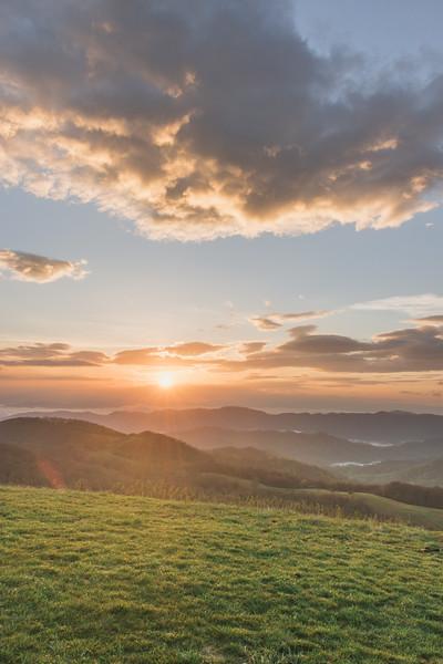 Sunrise atop Max Patch
