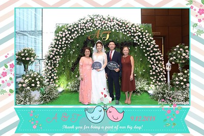 A&T Wedding Instant Print Photo Booth - Chụp ảnh in hình lấy liền Tiệc cưới - WefieBox Photobooth Vietnam