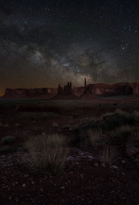 Milky Way over Totem Monument Valley