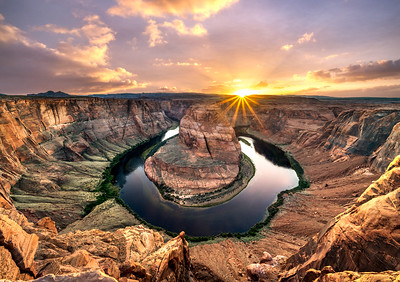 Iconic Horseshoe Bend Sunset