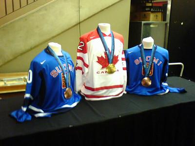Calgary Flames 2010 Olympic Hockey Medals Gold - Jarome Iginla Bronze -  Miikka Kiprusoff and Niklas Hagman
