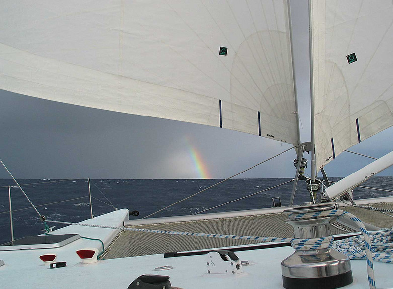 Not only do you see clearly because there is no deck house in the way, you see clearly under the sails too.