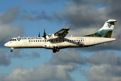 """ATR 72-500 in the new Air Austral """"island livery"""""""
