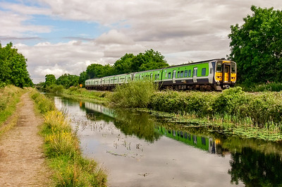 Commuter train between Leixlip Confey and Louisa Bridge stations