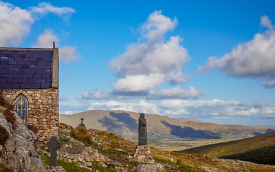 Chapel at Maum Ean pass, the highest point on the Western Way (Galway)