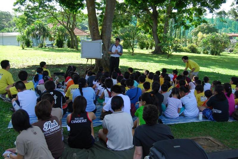 Singapore 7 children's outreach