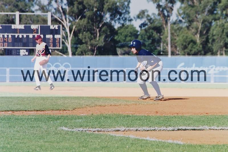 Loren Vella, NSW 2001