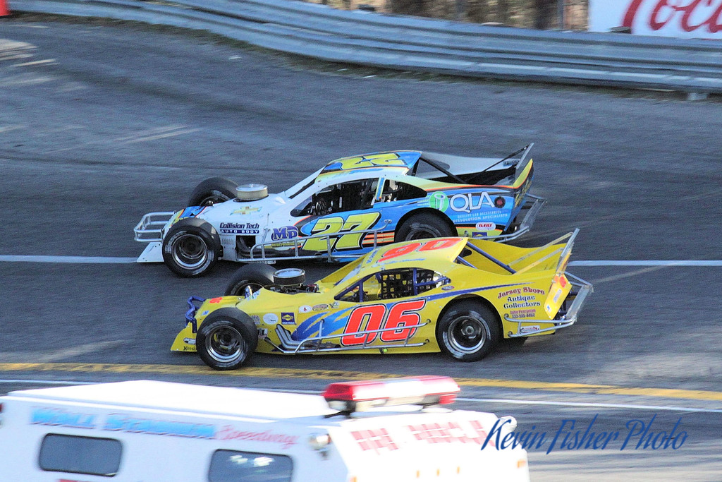 b) Tour Modifieds - Feature   043